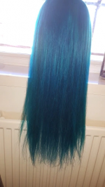 This hair is so beautiful, no smell.. minimal