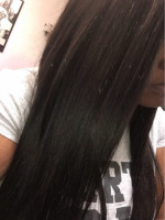 i love this hair. Hair is silky and smooth. T